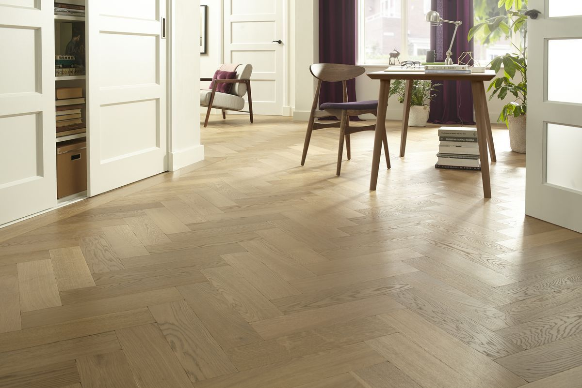 Kleurolie Houten Vloer : Houten vloer lakken bruynzeel vloeren op maat gemaakt